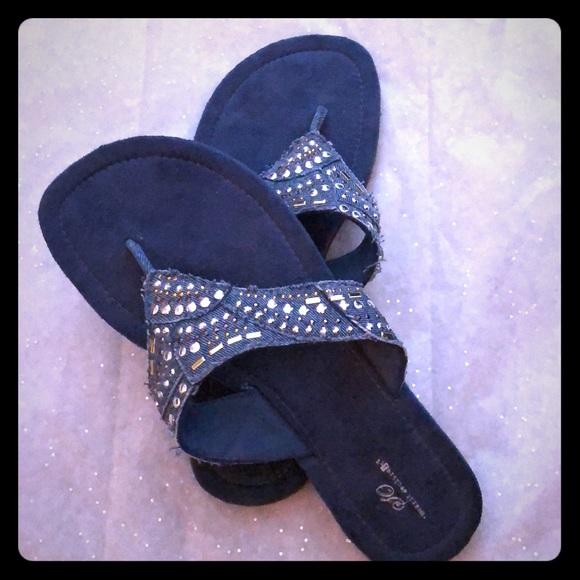 40386da4dc03 Women s Flip Flops Sandals Rhinestones Thongs⭐ . M 5ad90a058290af805dfae0ab